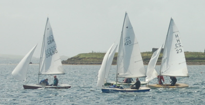 close racing in the snipe fleet